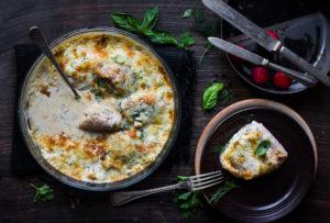 koore ja juustune klaarsaga ahjus koržets